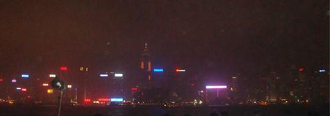 香港曇りの夜景